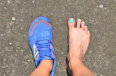 Chůze a běh naboso: ano, či ne? Running Shoes, Sneakers, Fashion, Trainers, Moda, Fashion Styles, Runing Shoes, Sneaker, Fashion Illustrations