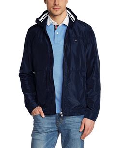 Mit dieser hochwertigen Jacke von Tommy Hilfiger namens FINNY BOMBER können die ersten Sonnenstrahlen des Jahres begrüßt werden. 100% Polyester...