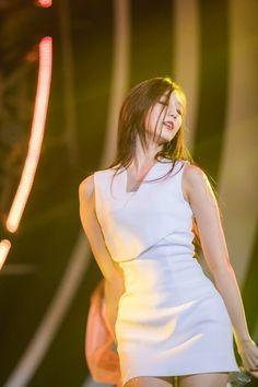 Lovelyz - Yein Lovelyz Mijoo, Hip Hop Fashion, First Girl, Sweet Girls, Kpop Girls, Girl Group, Asian Girl, Idol, White Dress
