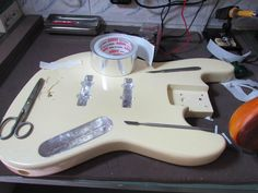 Fita de alumínio ADERE utilizada para blindagem elétrica em instrumentos musicais