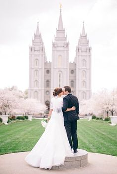 salt lake city temple wedding #mormon #modestweddingdress #saltlakecitytemple