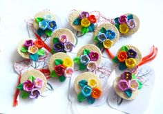 16 LEI | Martisor handmade | Cumpara online cu livrare nationala, din Iasi. Mai multe Ocazii si Sarbatori in magazinul stanka pe Breslo. Biscuit, Diy Earrings, Clay Creations, Polymer Clay Jewelry, Quilling, Arts And Crafts, Polymers, Images, Jewellery