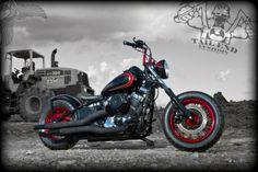 yamaha v-star 650 bobber   photo - notstock photography   tail end customs