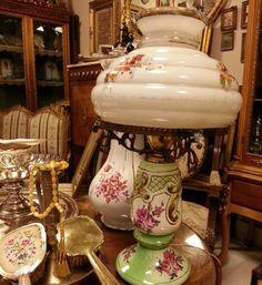 #abajur#Sümerbank#BahreynAntik #antika #antiques #hat #calligraphy #illumination #tezhip#ottomancalligraphy #beautiful #çokgüzel #goodprice #goodcondition #carpet #furniture #everything #neararsanvar #mobilya #eskiyazı #uygunfiyat #çerçeve #ahşapçerçeve #semaver #İstanbul #Turkey #SanatkârlarÇarşısı #huzur #muhabbet #tarih by bahreynantik