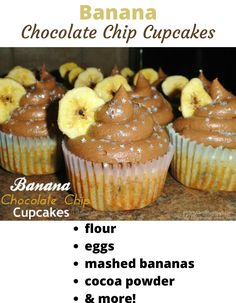 Nothing says love like homemade cupcakes! This delicious Banana Chocolate Chip Cupcakes recipe also includes homemade Chocolate Fudge Buttercream Frosting. Grab the here! Chocolate Chip Cupcakes, Best Chocolate Desserts, Chocolate World, Chocolate Fudge, Homemade Chocolate, Fudge Frosting, Frosting Recipes, Buttercream Frosting, Cupcake Recipes