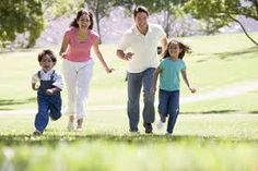 Afbeeldingsresultaat voor family in park