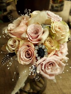 Very romantic for shabby chic bride February Wedding, Chic Wedding, Wedding Bouquets, Floral Wreath, Shabby Chic, Wraps, March, Bloom, Romantic