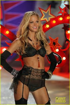 incase you didn't already know...you're perfect and I want to be you| Erin Heatherton Victoria's Secret Fashion Show 2012