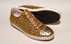 Modello BASIC glitter oro e borchie. www.manentishoes.it