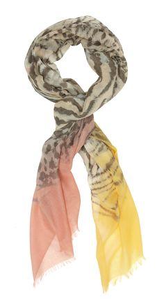 9ed285e970b8 Frangé, aux imprimés léopard et tigre se terminant en dégradé de couleurs  vives.  chèche fauve orange couleurs vives estival elorabygf tendance mode