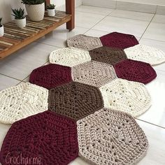 Crochet Doily Rug, Crochet Rug Patterns, Crochet Carpet, Crochet Home, Diy Crochet, Crochet Designs, Crochet Flowers, Knit Rug, Crochet Decoration