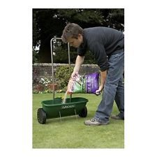 Easy Spreader EverGreen Plus Grass Seed Garden The EverGreen Easy Spreader Plus is ideal for applying EverGreen granular lawn products & seed to your lawn. Being a drop spreader, it allows you to apply your lawn product & seed accurately. This means that no product will escape from the sides & land on beds & borders, which is particularly important when applying weed &/or moss control products.