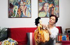 Atelierul de păpuși: Elena Orbocea și caracterul divin al reprezentării – Featured, Women R Us | Catchy