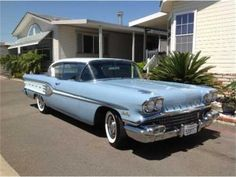 1958 Pontiac Star Chief Sports Coupe we owned this car in the it didnt run very good. Old American Cars, American Muscle Cars, My Dream Car, Dream Cars, Pontiac Convertible, Pontiac Star Chief, Gm Car, Ford Galaxie, Best Classic Cars