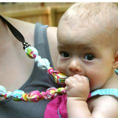 Teething necklace for moms to wear-Awesome idea for a teething baby!