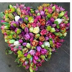 Tulips Flowers, Beautiful Flowers, My Flower, Heart Flower, All Things Purple, Flowering Trees, Love Symbols, Flower Centerpieces, Spring Time