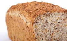 Many people consider that bread is the ideal addition to almost any food. But bread should be avoided, cardiologists reveal that the only type of bread we should eat must be gluten free. Therefore here we have the absolute hit, flourless bread recipe. Gluten Free Baking, Gluten Free Recipes, Low Carb Recipes, Bread Recipes, Cooking Recipes, Ww Recipes, Family Recipes, Banting Recipes, Quick Recipes