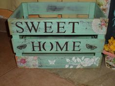 Cajon Sweet Home Wood Crates, Wooden Boxes, Napkin Decoupage, Primitive Crafts, Vintage Shabby Chic, Painting On Wood, Chalk Paint, Rustic Decor, Wood Projects