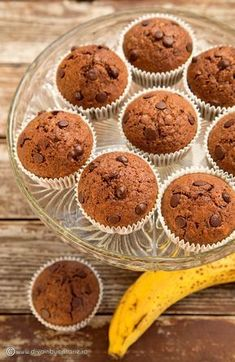 Banana and Chocolate Muffins. Banana and chocolate muffins. (in Romanian) Brunch Recipes, My Recipes, Cooking Recipes, Chocolate Muffins, Banana Recipes, Sweet Tooth, Food Porn, Food And Drink, Sweets