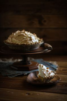 Adventures in Cooking: Butterscotch Pie & King Arthur Flour + A Trip To Vermont No Bake Desserts, Just Desserts, Delicious Desserts, Yummy Food, Fun Food, Sweet Pie, Sweet Tarts, Cinnamon Biscuits, Cookies Et Biscuits