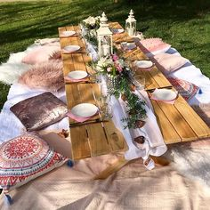 Picnic Set, Beach Picnic, Picnic Ideas, Summer Picnic, Backyard Birthday Parties, Picnic Birthday, Picnic Parties, Garden Party Decorations, Birthday Decorations