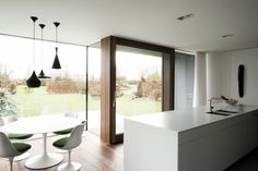 reconversion house VH - can architecten Modern Exterior, New Builds, Midcentury Modern, Ramen, Home Kitchens, Villa, Indoor, House Design, Interior Design