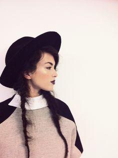 www.ioanaciolacu.com AYLIN HAZEL Winter Hats, Blog, Fashion, Moda, Fashion Styles, Blogging, Fashion Illustrations