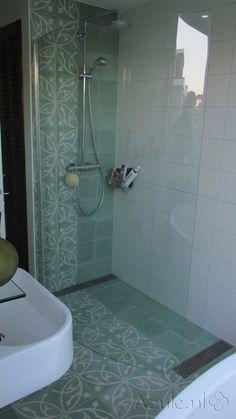 Cementtiles bathroom - Oval Azule Olive - Egal Olive S6.6 - Project van Designtegels.nl