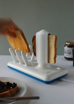 Glide Toaster what about poptarts or toster waffels or tosterstruudels Cool Toasters, Smart Home Ideas, Gadgets And Gizmos, Cooking Gadgets, Tech Gadgets, Iphone Gadgets, Travel Gadgets, Electronics Gadgets, Cooking Tools