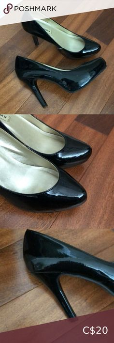 Shop Women's Steve Madden Black size Heels at a discounted price at Poshmark. Description: As pictured. Black Patent Heels, Plus Fashion, Fashion Tips, Fashion Trends, Madden Shoes, Steve Madden, Kitten Heels, Shoes Heels, Things To Sell