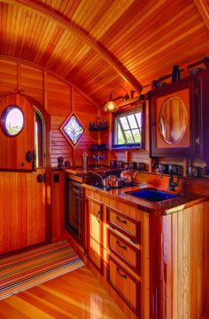 caravan interior 311170655501440595 - The small kitchen and bathroom are hooked up to water and utilities on the site. Source by cazalti Bus House, Tiny House Cabin, Tiny House Living, Tiny House Design, Gypsy Wagon Interior, Gypsy Caravan Interiors, Camper Interior, Gypsy Trailer, Gypsy Home