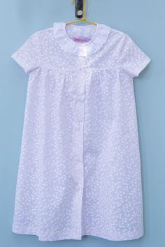 ISLAND HOOPING nightdress from Amaia's SS14 collection. Very comfortable, soft and stylish!  http://www.amaiakids.co.uk/engine/shop/product/SS14+NIGHTWEAR+ISLAND+HOOPING/ISLAND+HOOPING