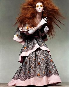 Nick Knight sits down with British model Lily Cole to chat about working with legendary photographer Steven Meisel back in 2003 for Italia Vogue and how, at just fifteen, that felt. Lily Cole, Foto Fashion, Fashion Shoot, Editorial Fashion, Fashion Models, Fashion Images, Steven Meisel, Vogue Photography, High Fashion Photography