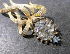Rhinestone Brooch VINTAGE Rhinestone Flower Pin Brooch Glass Set Rhinestones Ready to Wear Vintage Costume Jewelry (G69) by punksrus on Etsy