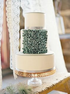 Glamorous Wedding Cakes - Part 2 - Belle the Magazine . The Wedding Blog For The Sophisticated Bride