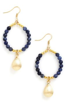 beautiful drop earrings http://rstyle.me/n/m64dspdpe