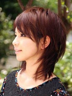 Short Medium Layered Haircuts With Bangs Wallpaper