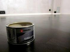 Katin Kokeelliset Remontit: Mustaa betonia!