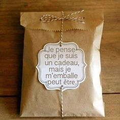 The post appeared first on Cadeau ideeën. Homemade Gifts, Diy Gifts, Gift Surprise, Diy Cadeau, Diy Presents, Little Gifts, Envelopes, Christmas Time, Christmas Crafts