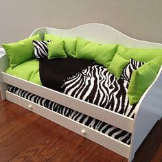 Cute American Girl Doll bed!