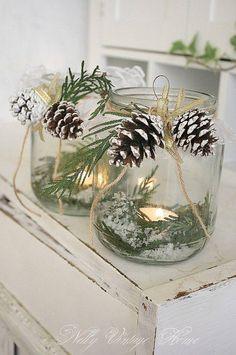 Décoration de Noël DIY avec des pommes de pin