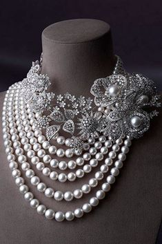 High Jewelry - MIKIMOTO is Japan's representative jeweler. In pursuit of beauty since the originator of cultured pearls. High Jewelry, Modern Jewelry, Luxury Jewelry, Pearl Jewelry, Jewelry Art, Wedding Jewelry, Antique Jewelry, Jewelry Necklaces, Fashion Jewelry