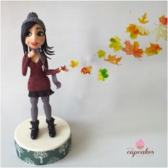 Autumn girl #sugarcraft #fondant