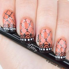 💅🏻Freehand nail art. To create this design I use nail art brushes from @mitty_burns 📽Video will be up soon . . 💅🏻Дизайн, сделанный от руки. 📽Видео добавлю позже
