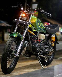 Dt Yamaha, Yamaha Motorcycles, Yamaha Yzf, Cars And Motorcycles, Black Joker, African Shirts For Men, Bmw Motors, Honda Cub, Classic Harley Davidson