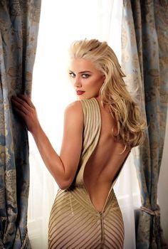アンバーハード(Amber Heard) 1986年4月22日 - 30歳は、アメリカ合衆国の女優。身長173cm。