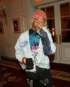 you should probably listen to his music bc he's great Will Smith, Men Street, Street Wear, Jaden Smith Fashion, Fashion Killa, Mens Fashion, Coming Out, Justin Bieber, Streetwear Fashion