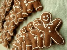 hand stitched gingerbread boys via The crocheted Fairyland - adorable!