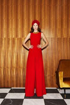 Alice + Olivia Resort 2019 Fashion Show Collection: See the complete Alice + Olivia Resort 2019 collection. Look 19