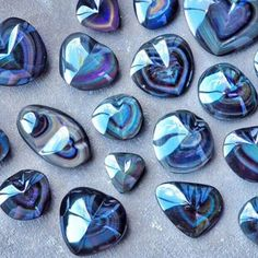 A rainbow obsidian heart is a wonderful crystal to use to nurture and rejuvenate your heart after experiencing an emotional trauma, such as a broken heart or period of grief. Lay the rainbow obsidian heart over your heart, with the he Cool Rocks, Beautiful Rocks, Minerals And Gemstones, Rocks And Minerals, Crystal Magic, Mineral Stone, Rocks And Gems, Bijoux Diy, Stones And Crystals